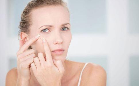 皮肤容易长痘怎么回事 皮肤容易长湿疹是什么原因 怎么 调养脾胃