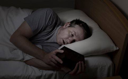 熬夜有什么危害 熬夜的危害是什么 熬夜食疗方有哪些