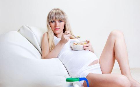 孕妈临近分娩应该怎么做 快速顺产方法 孕妈想要快速顺产应该怎么做