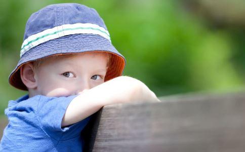 儿童多动症有什么症状 儿童多动症的危害有哪些 儿童多动症要怎么治疗