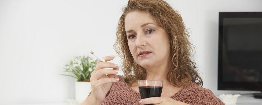 经常抽烟死的早吗 抽烟的危害是什么 抽烟都有哪些危害